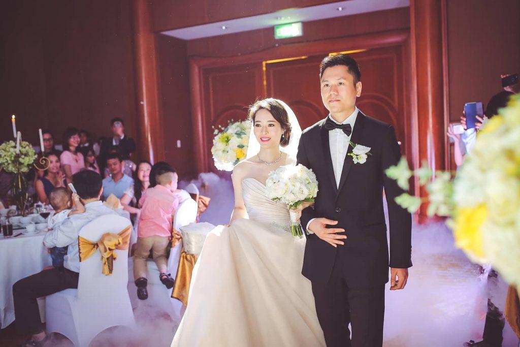 Quay phim, chụp ảnh ngày cưới